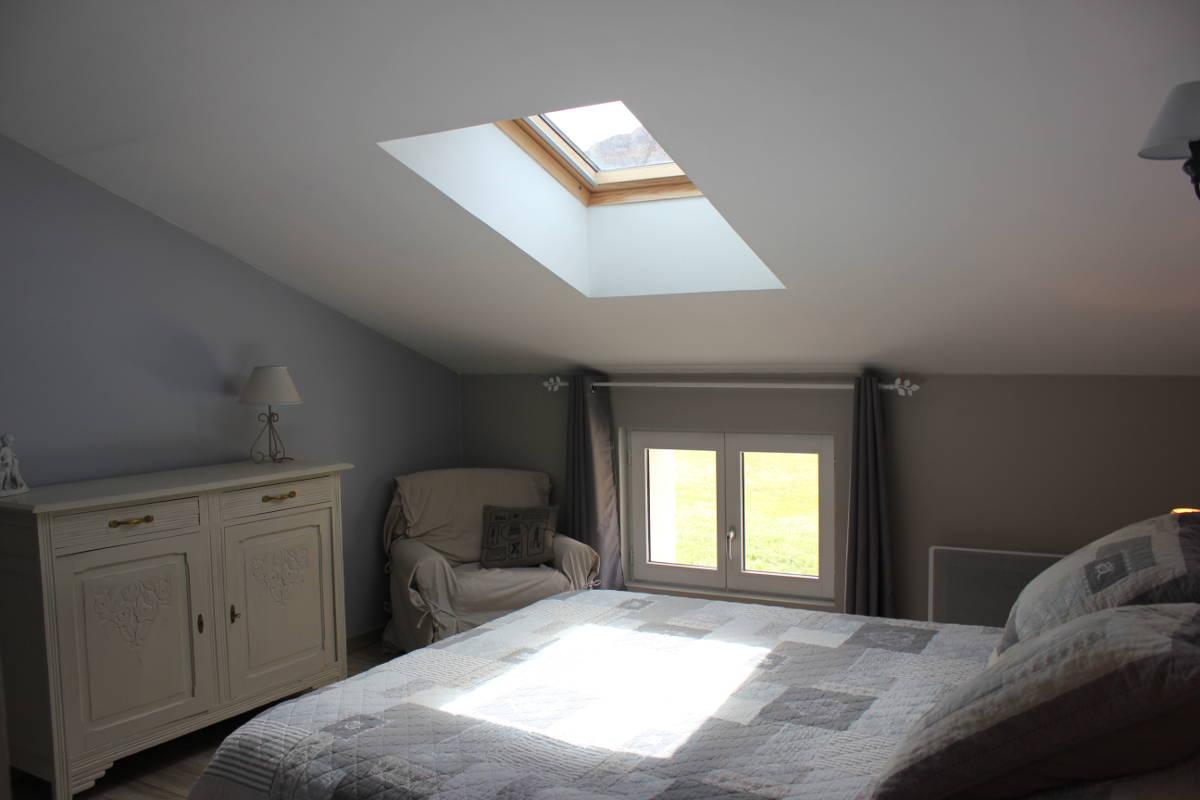 Gite Léoux - Chambre avec lit double