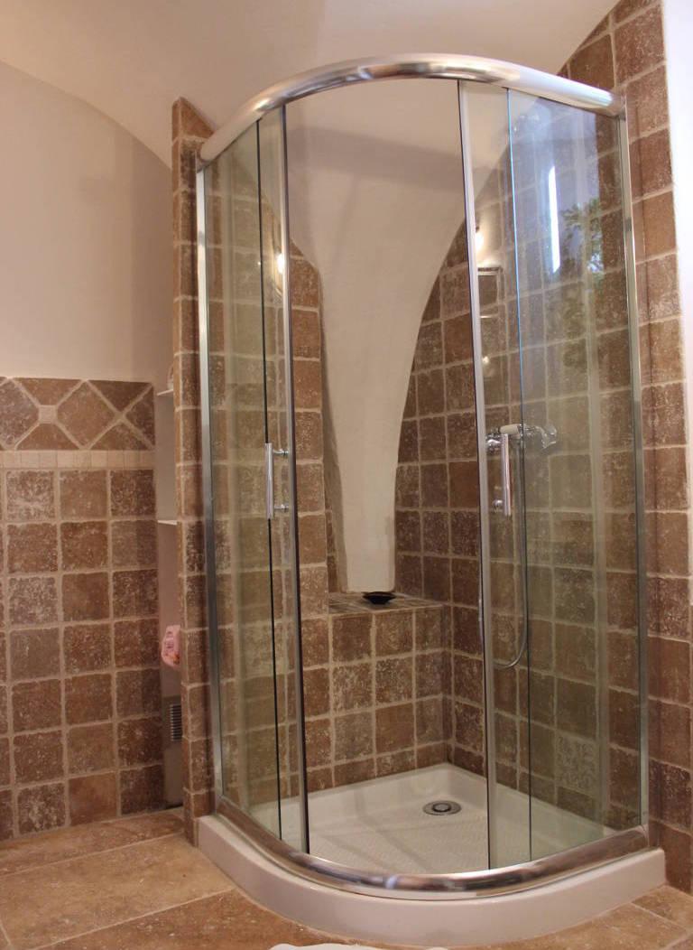 Gite Léoux - Salle de bains - Douche