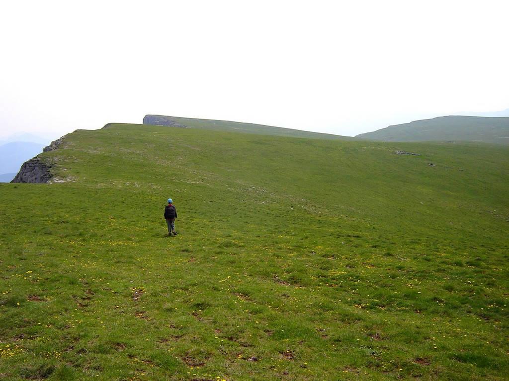 Gite Léoux - Montagne d'Angèle - Sommet à 1600m d'altitude- Départ à pied depuis le gîte