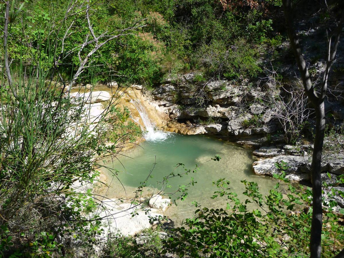 Gite Léoux - Le ruisseau du Léoux et ses piscines naturelles